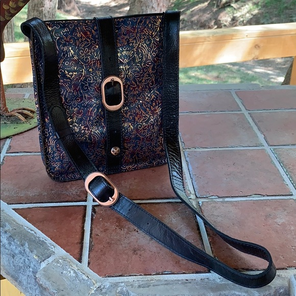 Patricia Nash Handbags - Patricia Nash cross body. Leather, with dust bag
